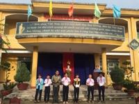 Trao thưởng cho các cá nhân và tập thể có thành tích xuất sắc trong Hội khỏe phù đổng cấp trường và giải Việt Dả cấp thành phố