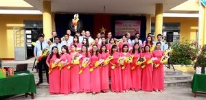 Sinh hoạt kỷ niệm 20-11 tại trường THCS Phan Bội Châu